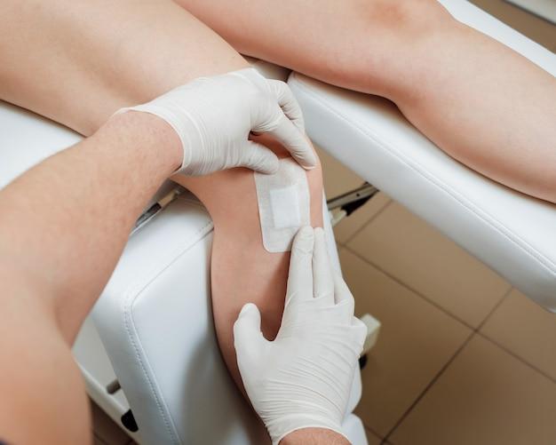 膝の血小板に富む血漿注射