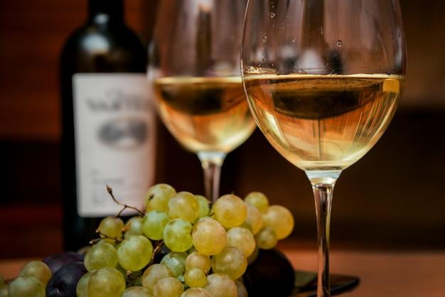 ブドウとグラスでワインします。