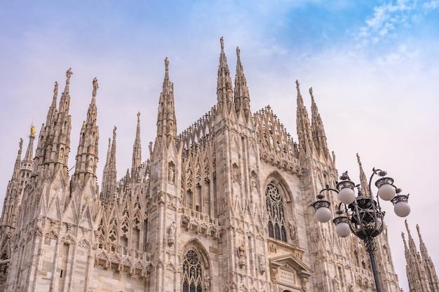 ミラノ大聖堂またはドゥオーモディミラノ、イタリア。