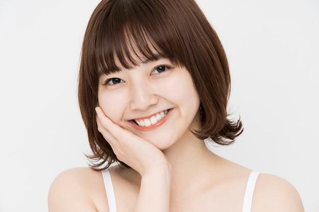 日本人女性のスキンケア画像