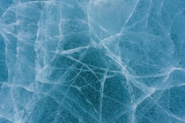 Красивый лед байкала с абстрактными трещинами
