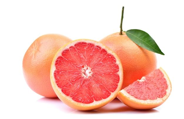 Грейпфрут на белом