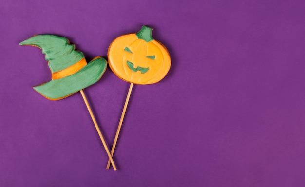 魔女の帽子とカボチャ、ハロウィーンのジンジャーブレッドクッキー