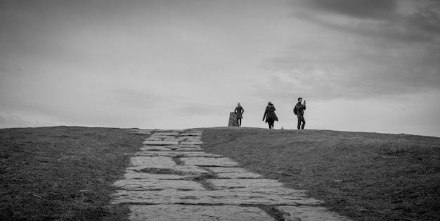 ハイキングの人々