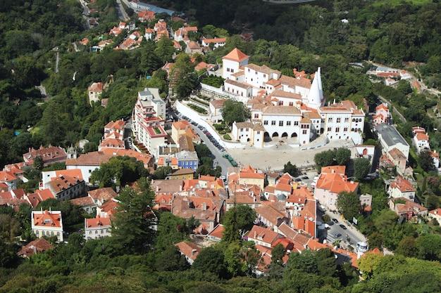 リスボン、ポルトガルの美しい建築物の空中ショット