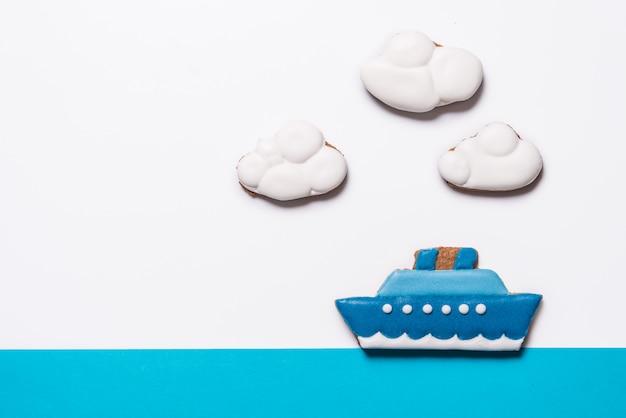 船型のジンジャーブレッドクッキー