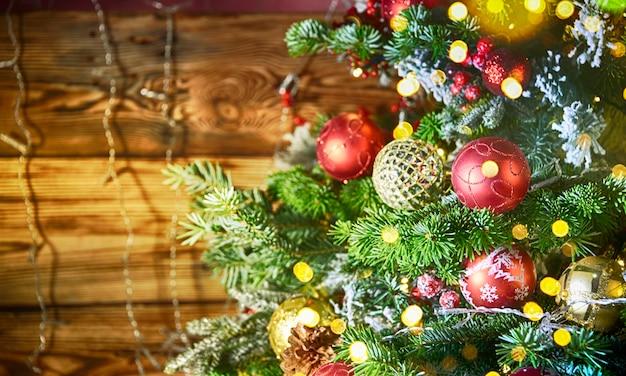 クリスマスツリー、素朴な背景
