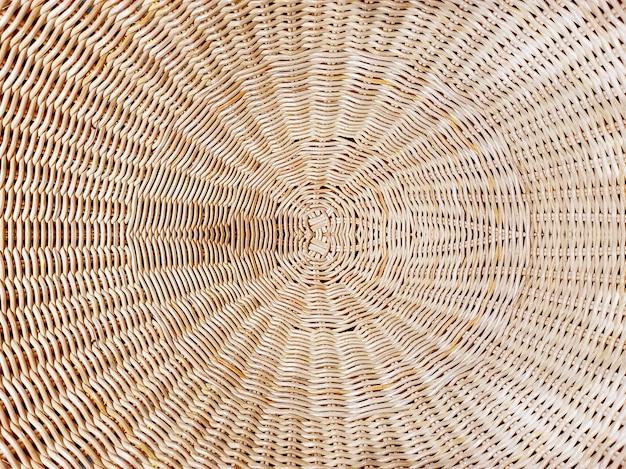Полный кадр фона из коричневого тканого ротанга