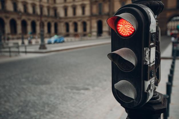 通りのヨーロッパの信号。道路コンセプトのルール。