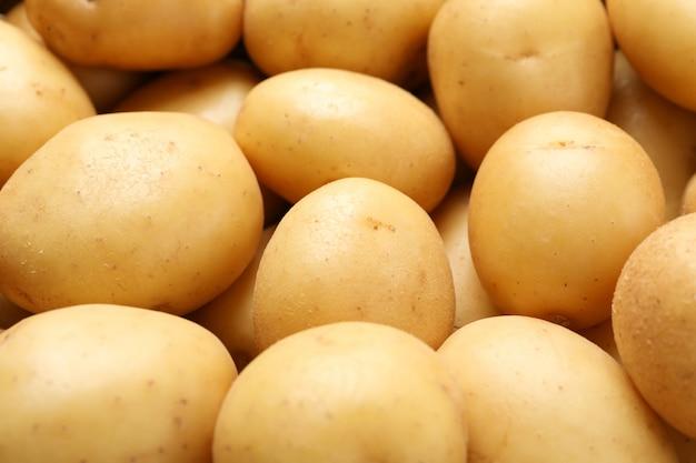Молодой картофель на всей поверхности