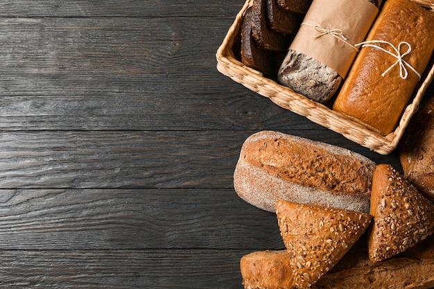 木製のスペース、平面図、テキスト用のスペースにベーカリー製品とフラットレイアウト構成
