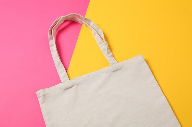Эко сумка на цветном фоне