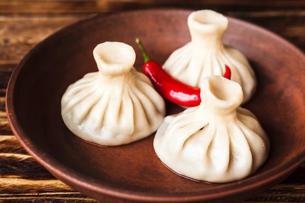 Национальное восточное блюдо хинкали
