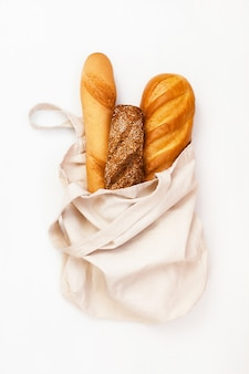 Свежий хлеб в эко сумке