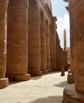 カルナック柱。ルクソール、エジプト