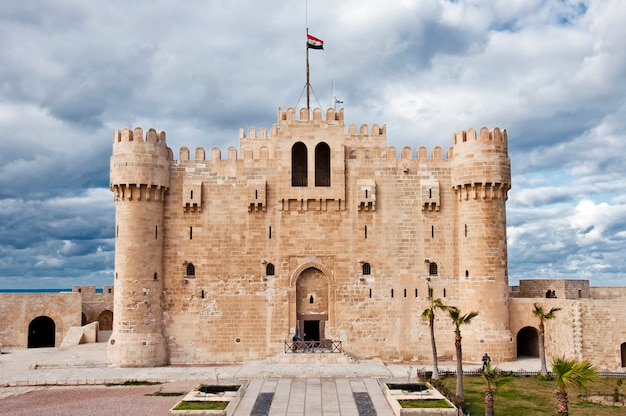 Александрийский замок каэтбай