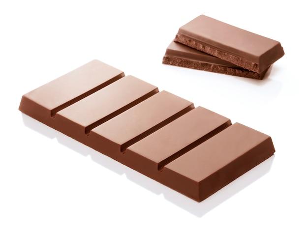 白地に茶色のチョコレートバー