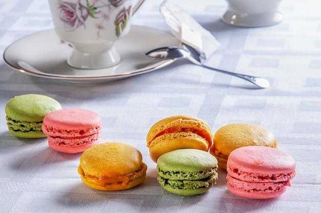 伝統的なフランスのカラフルなお菓子