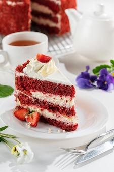 赤いビロードのケーキ