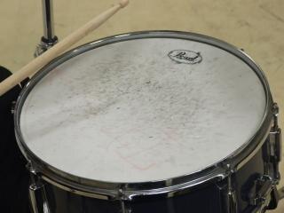 Барабанную установку, барабаны