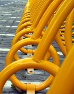 Красочный стенд велосипедов