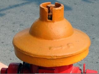 古いスタイルの消火栓