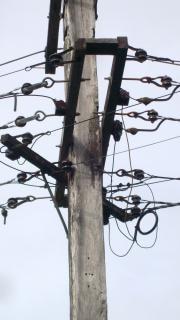 電柱やセラミックヒューズ