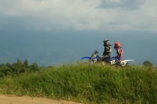 モトクロス、バイク