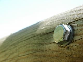 木製トラスのネジ