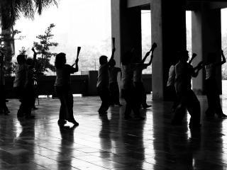 Китайские танцоры вентилятора