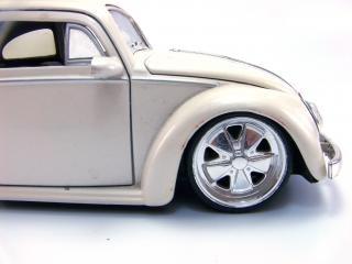 Автомобиль игрушки, на открытом воздухе