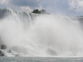 Ниагарский водопад, поток