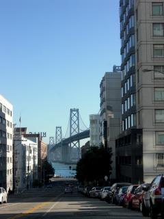 カリフォルニア州サンフランシスコ北部クロス
