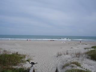 Пустынном пляже, пляж