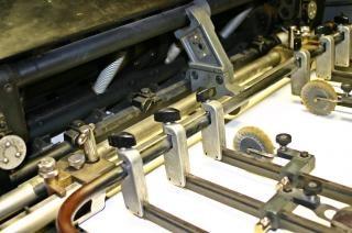 印刷機をオフセット