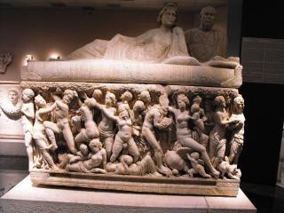 Античный саркофага