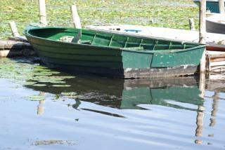 行ボート、川