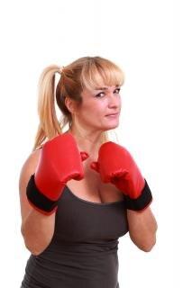 Женщина готова к борьбе