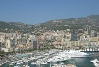 Вид на город монако порт