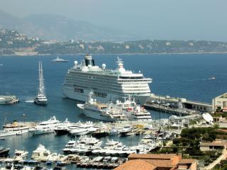 Монако с берега