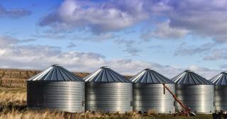 サイロ穀物