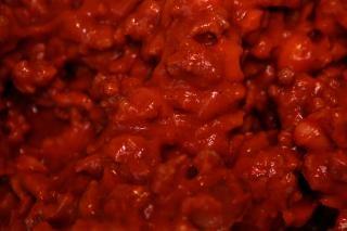 Клейкий поесть красного, красного мяса, чертов