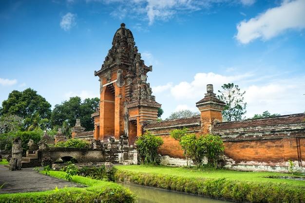 Пура таман аюн, индуистский храм на бали, индонезия