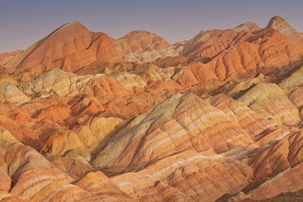 Красочные горы песчаника в китае