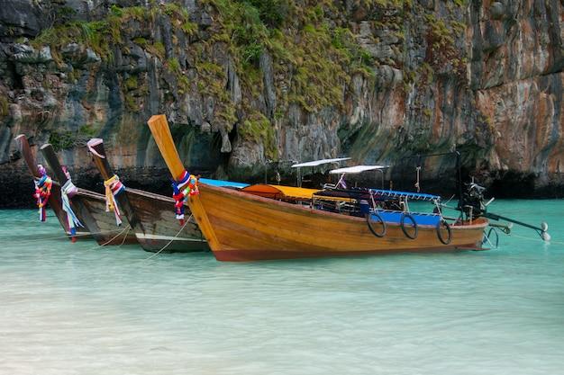 Тайские традиционные длинные лодки