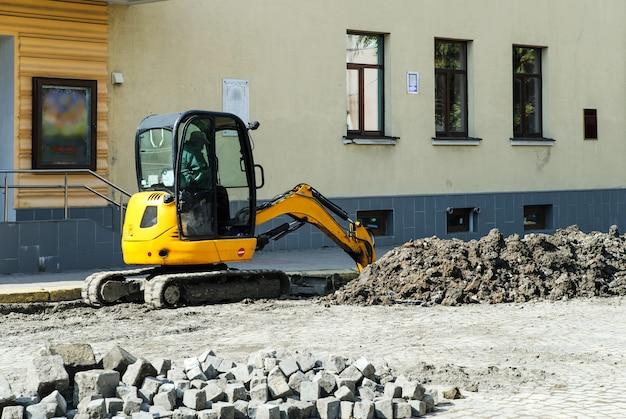 ミニトラクター掘り。