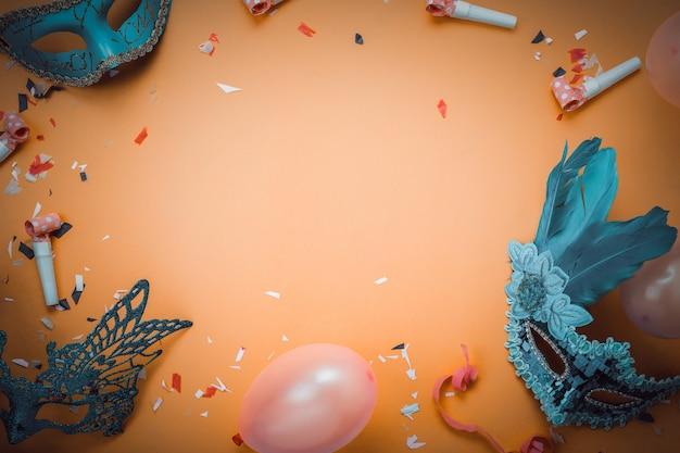 カーニバルフェスティバル背景概念のサインのフラットレイアウト空中画像