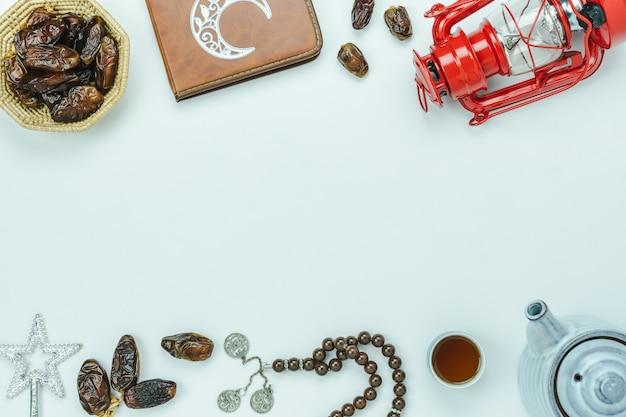 テーブルトップビュー装飾ラマダンカリーム休日背景の空撮。