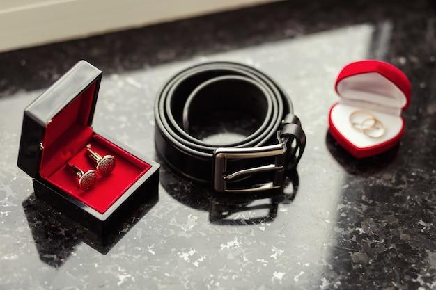 Запонки, мужской ремень, обручальные кольца, жених утренний, бизнесмен, свадьба, мужская мода, мужские аксессуары