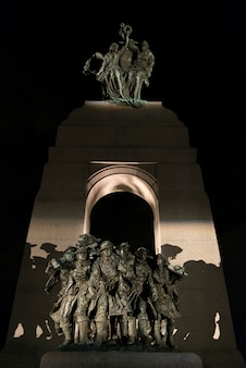 国立戦争記念館、国会議事堂、オタワ、オンタリオ、カナダの像